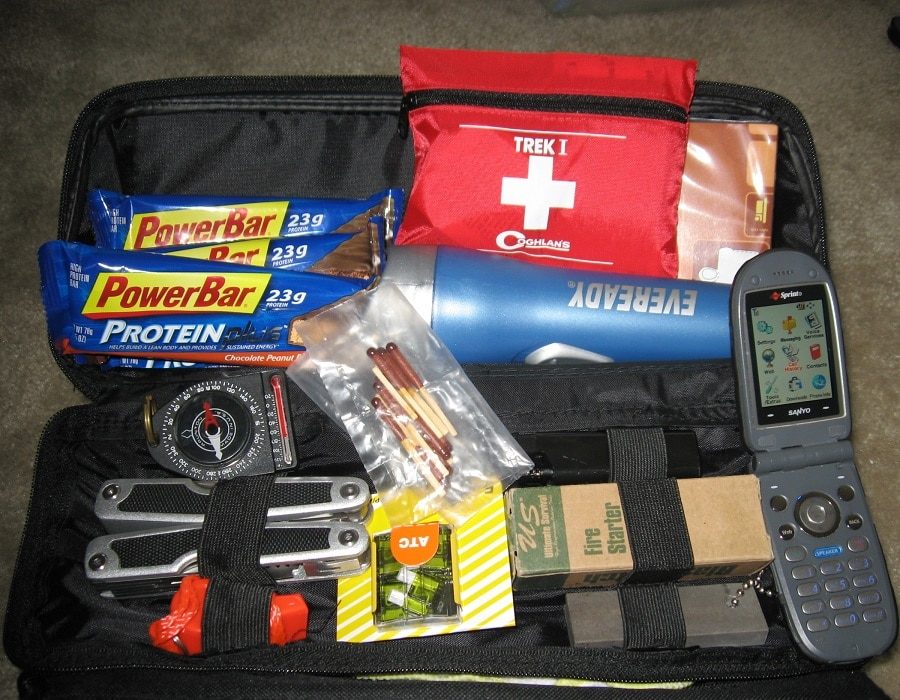Car kit for safety and survival