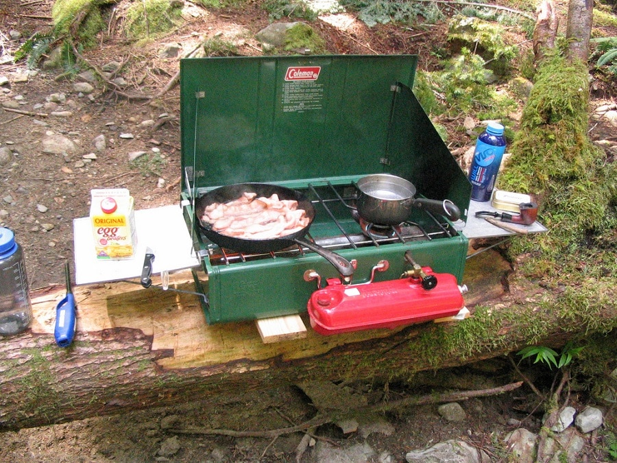 Coleman camping stove features