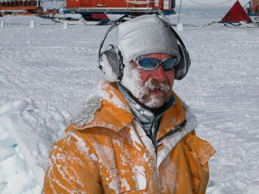 Extreme weather clothes and gear