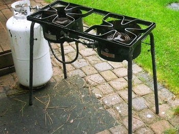 The Bayou Classic Dual Burner Outdoor Gas Cooker