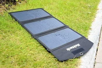 Nekteck 20W Solar Charger