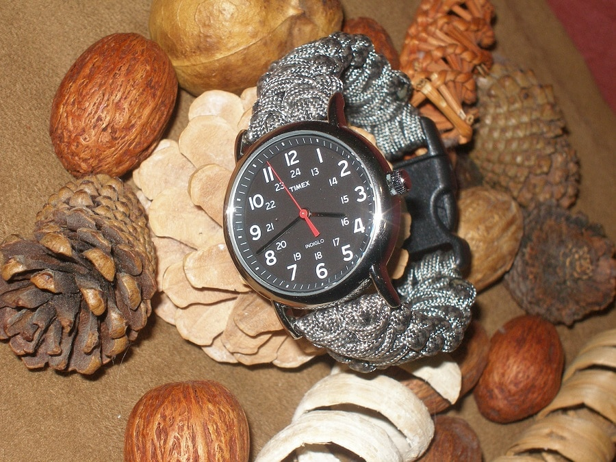 The paracord watch band