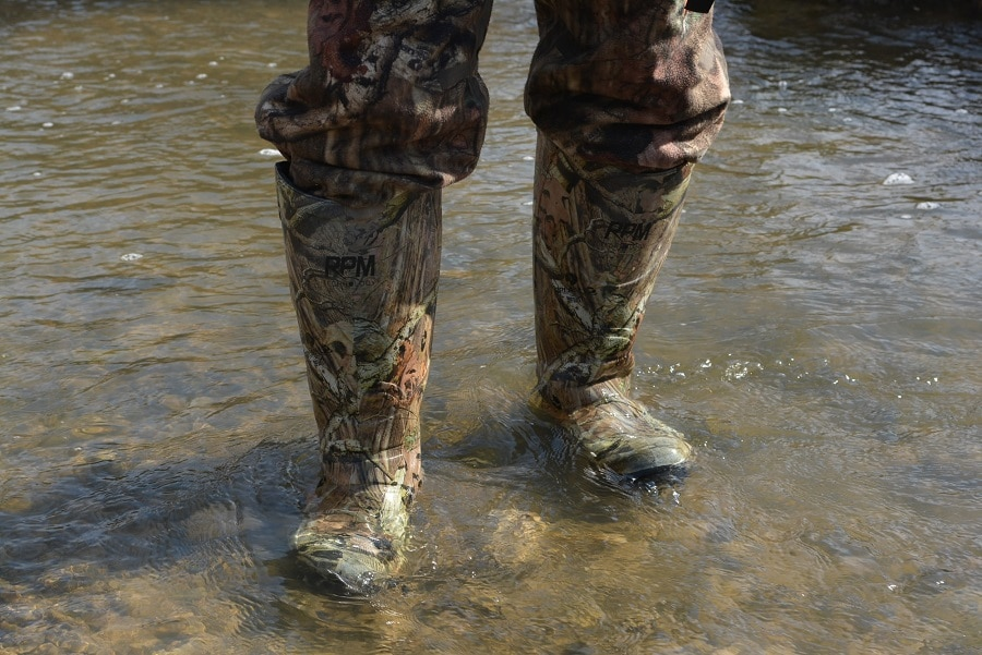Waterproof rubber boots for hunting