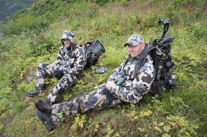 Best Hunting Rain Gear: Must Have Items for Every Hunter