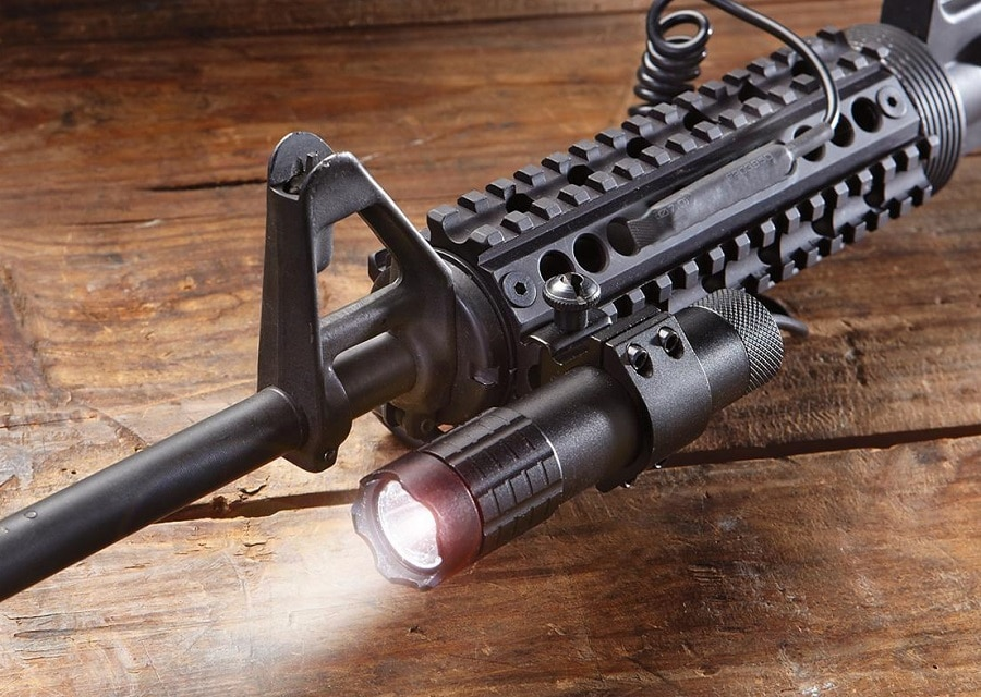 Tactical flashligt on a rifle