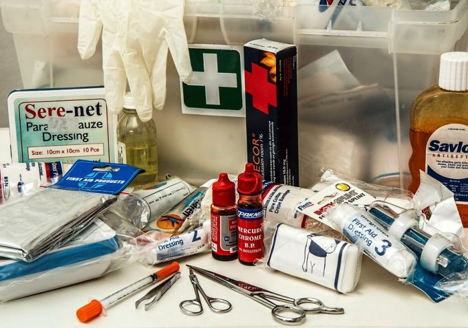 Best First Aid Kit: How to Deal with Emergencies Effectively