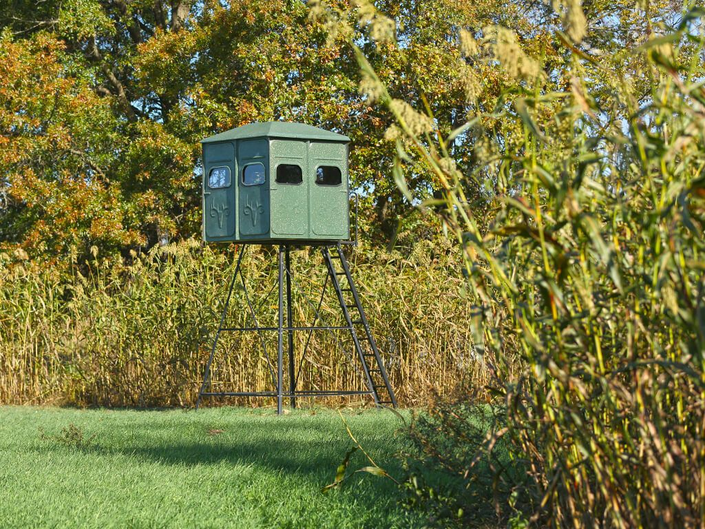 How to build a deer blind step by step instructions for Build your own deer stand