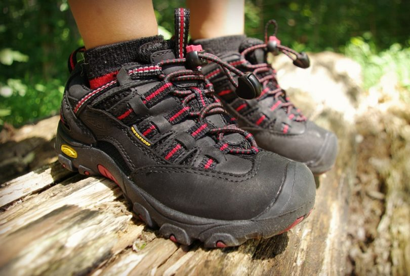 Kid hiking shoes