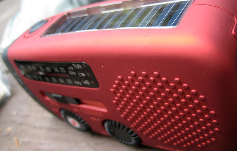 best solar radio featured