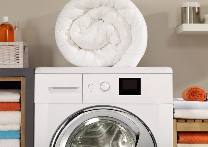 down laundry in a machine