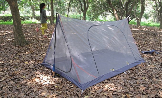 Camping tent with mosquito mesh