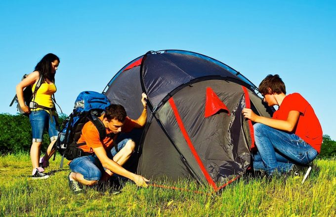 On the other side the single-wall tents minimize the weight promote airflow and should be easier to set up. If your objective is to hike light and fast ... & Best Backpacking Tents: Reviews on Top Products on the Market
