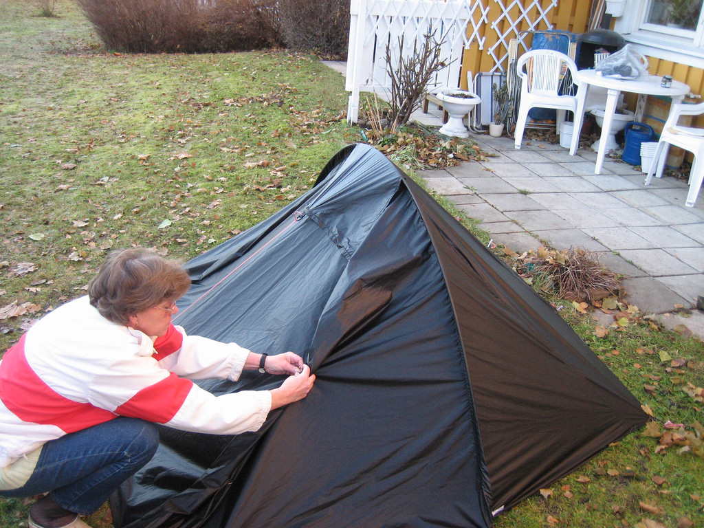 Diy backpacking tent how to make your own backpacking tent for How to make a canvas tent