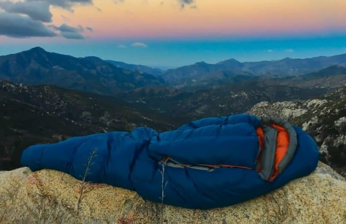 warm-and-durable-sleeping-bag