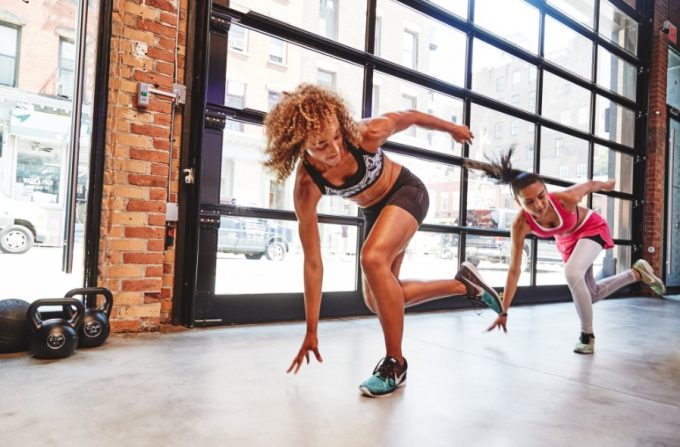 women doing HIIT exercises