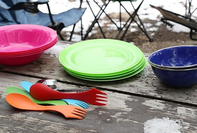 camping plates and sporks