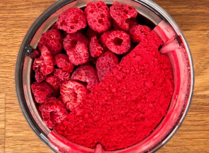 dried raspberry powder