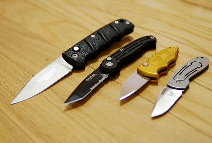 Best Hunting Knife: Most Important Features & Top 8 Product Reviews