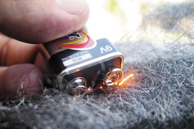 Starting Fire with Wool and Battery